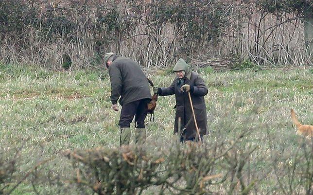 Elżbieta II na polowaniu