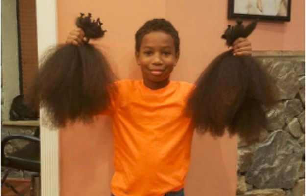 8-latek zapuszczał włosy przez dwa lata, by przeznaczyć je na peruki dla dzieci chorych na raka