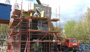Białorusini ekspresowo budują dom. Ma być gotowy w 64 godziny