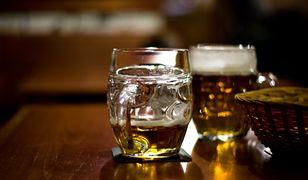 Piwa do rozdania. Popularne dyskonty prześcigają się promocjach