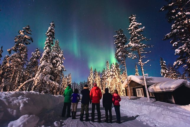Norwegia zimą jest celem wycieczek w celu oglądania zorzy polarnej