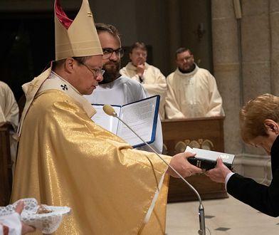 """Wdowy konsekrowane. """"Poślubiają"""" Jezusa po śmierci małżonków"""