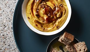 Zupa dyniowa zagęszczana czerstwym chlebem na zakwasie