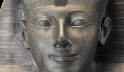 Ramzes. Tom 1. Syn światłości, Świątynia milionów lat