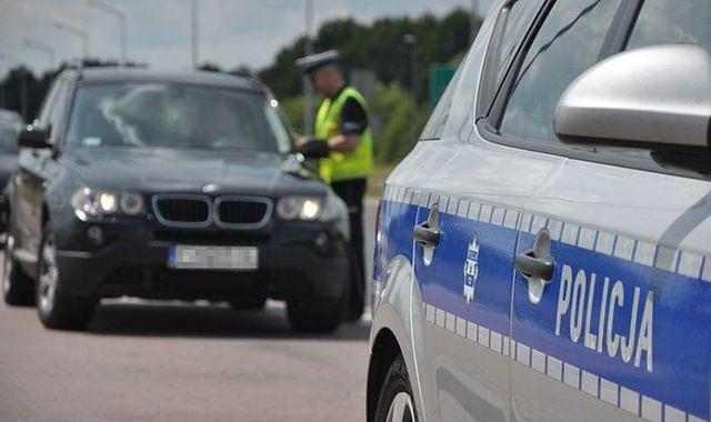 Policjanci zauważyli pijanego mężczyznę (zdjęcie ilustracyjne)
