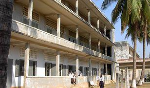 Dziedziniec Muzeum Ludobójstwa Tuol Sleng w Phnom Penh