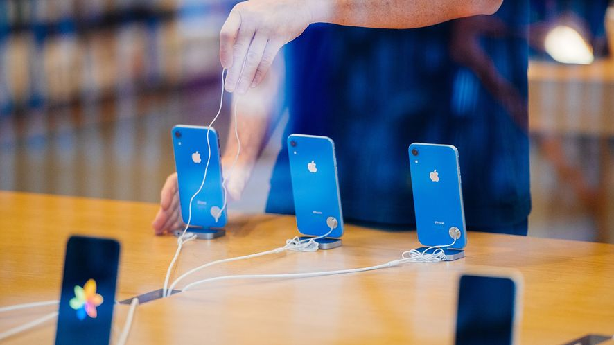 iPhone XR nie będzie jednak hitem? (depositphotos)