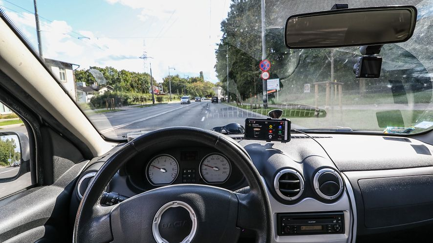Pokazujemy najciekawsze aplikacje dla kierowców na Androida (Getty Images)
