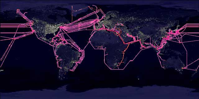 Ziemia opleciona światłowodami (źródło: The Fiber Optic Association)