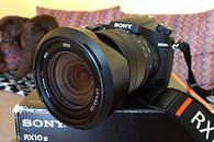 Obiektyw 600 mm i slow-motion. Recenzja bajecznego aparatu — Sony RX10 III gen.