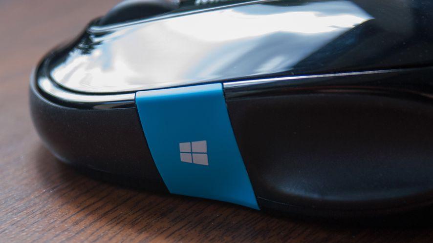 Microsoft Sculpt Comfort Mouse — pomachaj jej (kciukiem) na do widzenia