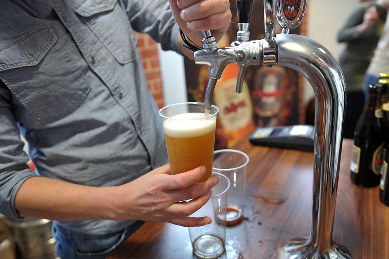 """Piwo drożeje, eksperci biją na alarm. """"Nie ma racjonalnego uzasadnienia"""""""