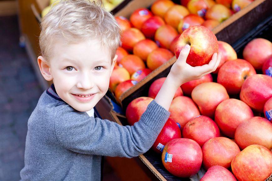 """Jaki jest sens wprowadzania zdrowej żywności do szkół, skoro teraz """"rujnujemy"""" to drożdżówkami?"""