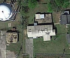 Pokłócił się z Google Maps. Taką wiadomość zostawił na dachu