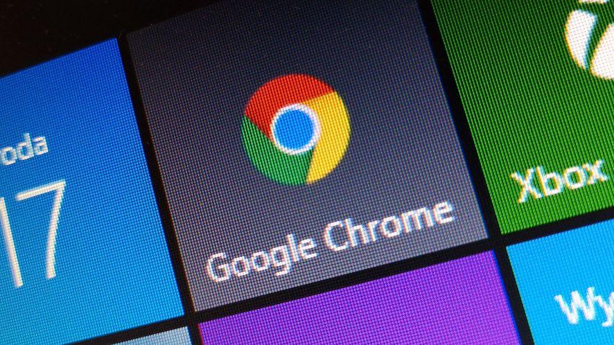 Jeden z dodatków do Chrome'a wstrzykuje reklamy do wyników wyszukiwania, fot. Oskar Ziomek