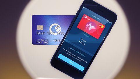 Curve zastąpi wszystkie karty z różnych banków jednym plastikiem i aplikacją