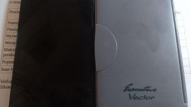 """Recenzja LG F60 po kilku latach od premiery - Ten telefon ma idealne rozmiary, lecz obecnie ciężko o telefon, który ma przekątną 4,5"""""""