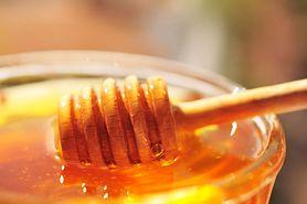 Płynny miód – powstawanie, charakterystyka, właściwości zdrowotne, miód naturalny a sztuczny