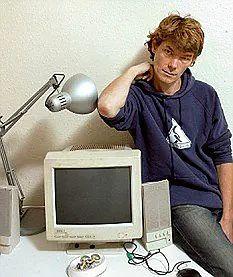 """Gary i jego """"zdezelowany"""" komputer"""