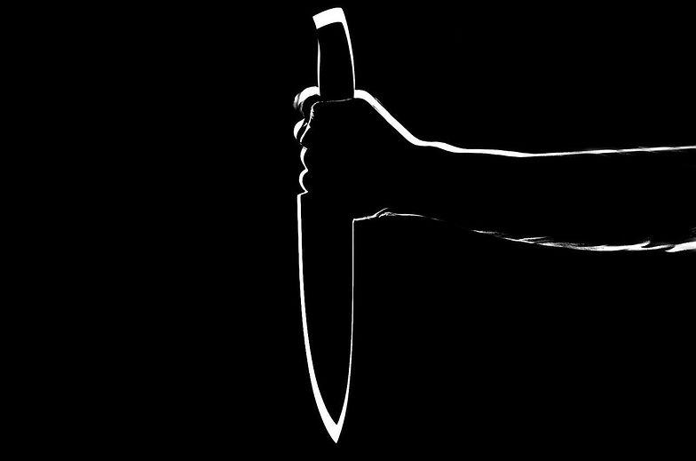 Warszawa. 55-latek zaatakował nożem ratownika medycznego