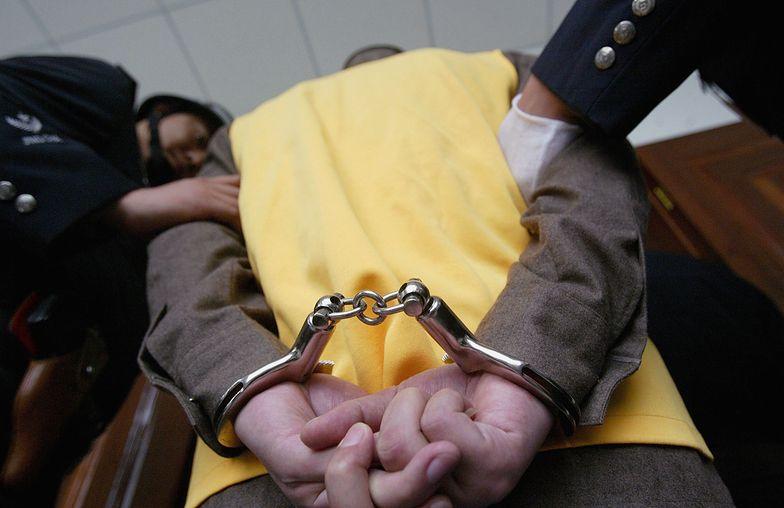 """Podpalenie klubu, rozboje i kradzieże. """"Fama"""" skazany na 25 lat więzienia"""