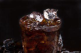 Cola na grypę żołądkową. To nie mit!