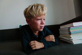 Przemoc werbalna i jej wpływ na rozwój dziecka. Skutki przemocy mogą być odczuwalne przez całe życie