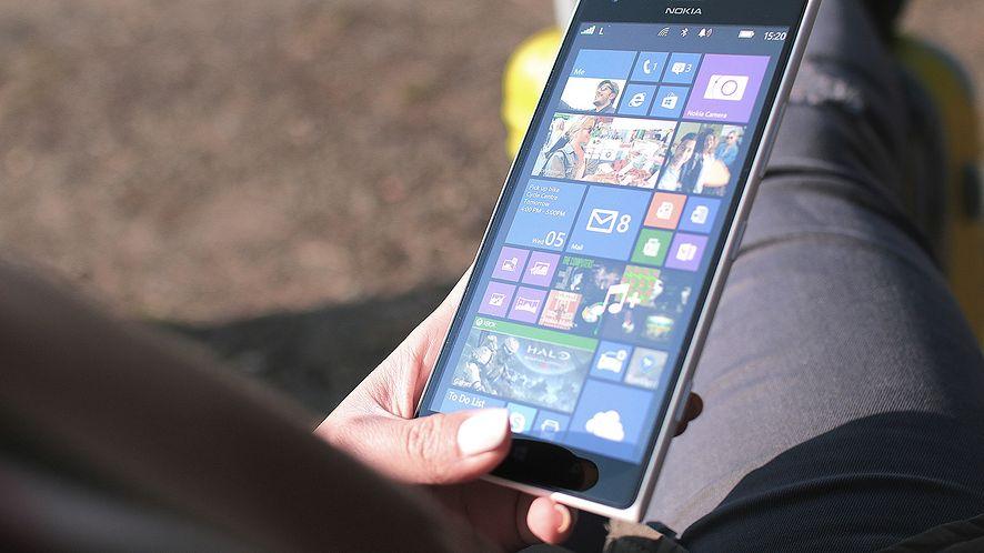 Pracownik Microsoftu używa Lumii z Windowsem 10 dla ARM