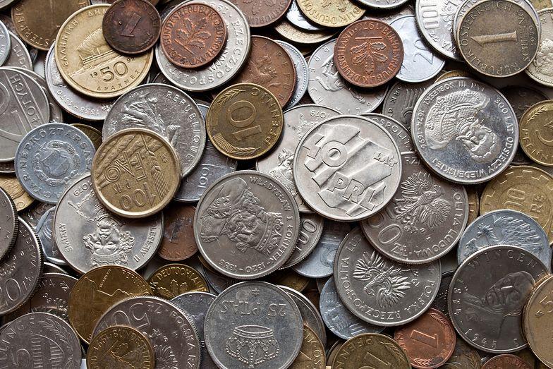 Cena wywoławcza 150 zł. Na bilonie z PRL można zbić kokosy. Masz takie monety?