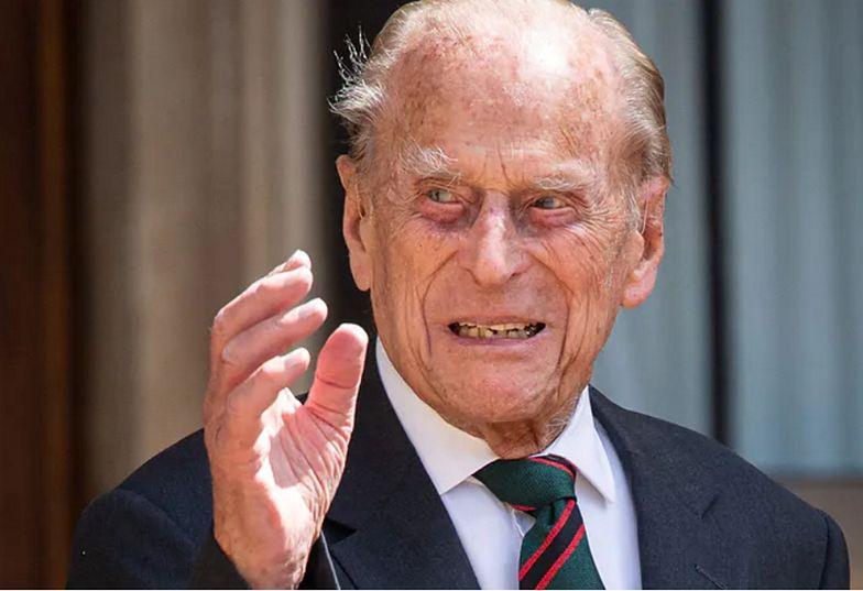 Książę Filip przeszedł operację. Wiadomo, jak się czuje