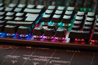 Genesis Thor 300 RGB — klawiatura mechaniczna z RGB na brązowych przełącznikach