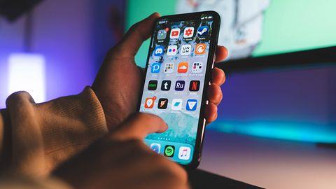 Apple zawiesza odsłuch nagrań z Siri. Wkrótce pozwoli też ograniczyć przesył danych