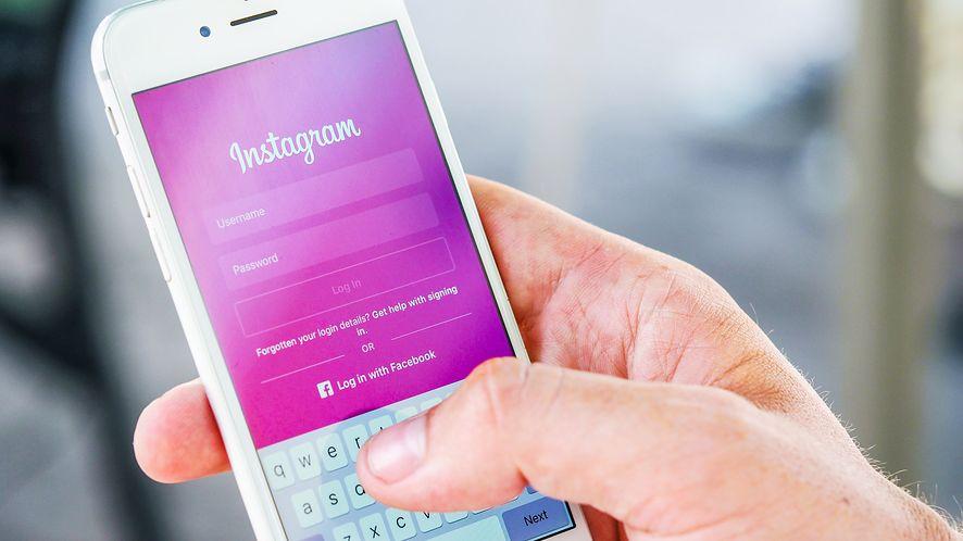 Instagram w końcu dostał ciemny motyw, niebawem zniknie karta Aktywność