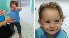 Powód, dla którego ten mały chłopiec rozpacza, może cię naprawdę zaskoczyć! [VIDEO]