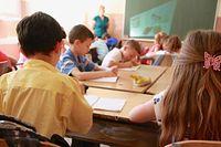 """Dolny Śląsk. 1 września. """"Będzie bezpieczny powrót do szkoły"""" - zapewnia kurator. A rodzice przerażeni"""