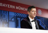 MUNICH, GERMANY - DECEMBER 17: Robert Lewandowski of FC Bayern Muenchen addresses a press conference after the FIFA The BEST Awards ceremony on December 17, 2020 in Munich, Germany. Lewandowski won the FIFA World Player 2020 award on Thursday.  (Photo by Pool/Marco Donato-FC Bayern/Pool via Getty Images)