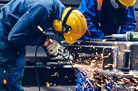 praca fabryka pensje przemysł