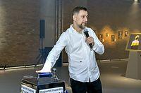 """Znany raper Wojciech """"Sokół"""" Sosnowski szykuje się do wejścia w skład rady nadzorczej giełdowej spółki."""
