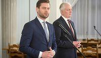 Kamil Bortniczuk już nie jest wiceministrem. Złożył dymisję