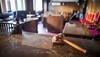 Ustawa dezubekizacyjna. Sądy nie czekają na Trybunału Konstytucyjnego