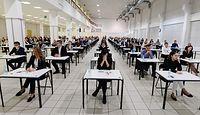 """Egzaminy zawodowe odwoływane jeden za drugim. """"Tysiące osób żyją w zawieszeniu"""""""