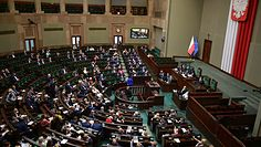 Niejawne posiedzenie Sejmu. Włodzimierz Cimoszewicz mówi, co za tym stoi