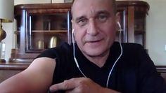 Zmiana obostrzeń. Paweł Kukiz pokazał ramię, zanim odpowiedział