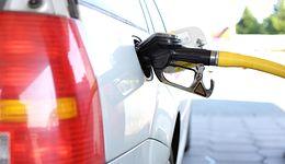 Ceny ropy lekko w dół. Ale na razie tankowanie będzie droższe