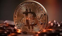"""Uwierzyła telefonicznemu naciągaczowi. Oszukana """"na bitcoin"""" straciła ponad 300 tys. zł"""
