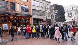 Bunt przedsiębiorców. Otworzyła się restauracja na Krupówkach, gigantyczna kolejka przed wejściem