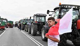"""Protest rolników Agrounii. Zablokowali drogę. """"Stoimy i będziemy stać całą noc"""""""