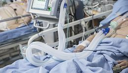 Koronawirus. Skąd nagły wzrost liczby zgonów? Dr Grzesiowski wyjaśnia