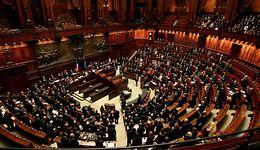 Włosi dostają po 11 tys. euro miesięcznie. To ponad cztery razy więcej, niż będą  zarabiać polscy deputowani