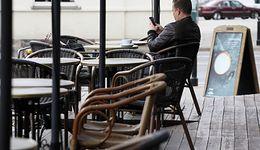 Decyzja rządu uderza w Śląsk. Seniorzy zostaną w domach, w tym regionie to oznacza jedno: brak zysków